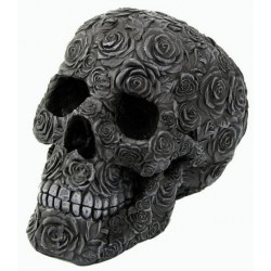 Schwarzer Totenkopf mit Rosen